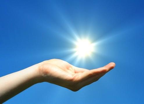 Sun_in_hand_solar_energy_solenergi_537x356